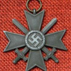 Militaria: ORIGINAL - MEDALLA AL MÉRITO DE GUERRA CON ESPADAS KVK 2ª CLASE - KRIEGSVERDIENSTKREUZ 1939. Lote 195022747