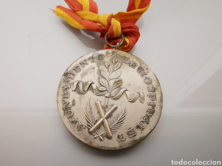 ANTIGUA MEDALLA AYUNTAMIENTO DE HOSPITALET 1955 FIESTA MAYOR (Militar - Medallas Españolas Originales )