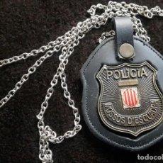 Militaria: REPLICA PLACA MOSSOS D'ESQUADRA ESCALA 1:1 Y PORTAPLACAS. Lote 195241217