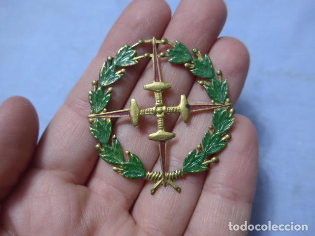 * ANTIGUA MEDALLA DE CHAPA LAUREADA DE SAN FERNANDO, TIPO COLECTIVA, GUERRA CIVIL. ORIGINAL. ZX (Militar - Medallas Españolas Originales )