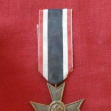 Militaria: MEDALLA CONDECORACIÓN ALEMANA ORDEN AL MÉRITO SIN ESPADAS II SEGUNDA GUERRA MUNDIAL III REICH ALEMÁN. Lote 195578562