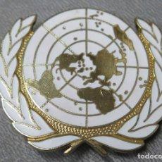 Militaria: PLACA INSIGNIA. FUERZA DE PACIFICACION DE NACIONES UNIDAS. CASCOS AZULES. ONU. Lote 197225505