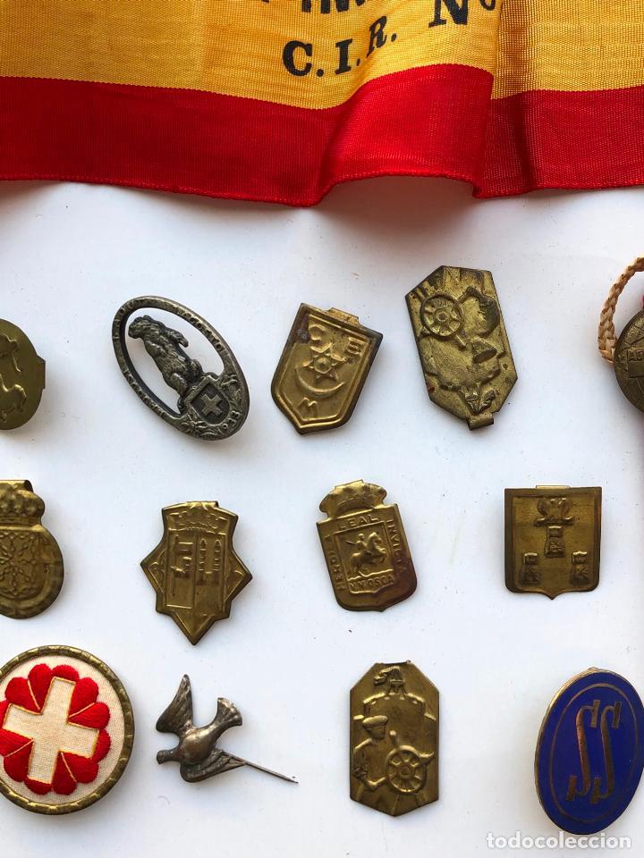 Militaria: LOTE VARIADO DE INSIGNIAS Y MEDALLAS VARIADAS MILITARES. - Foto 13 - 197734383