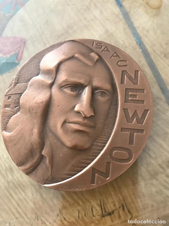 REPRODUCCIÓN , MEDALLA DE BRONCE ISAAC NEWTON (Militar - Reproducciones y Réplicas de Medallas )