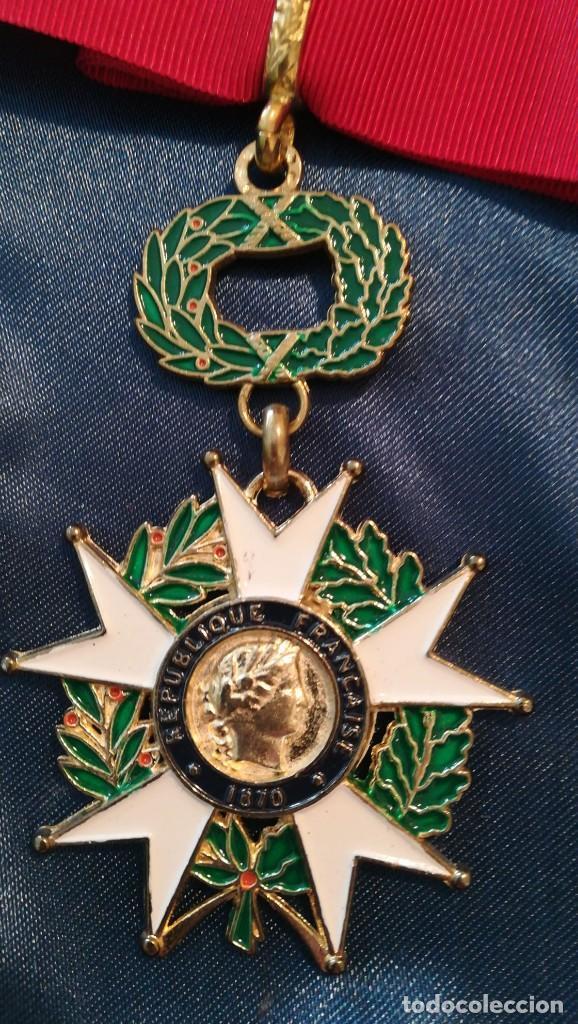 CRUZ DE LA ORDEN DE LA LEGIÓN DE HONOR A BUEN ESTADO (Militar - Reproducciones y Réplicas de Medallas )
