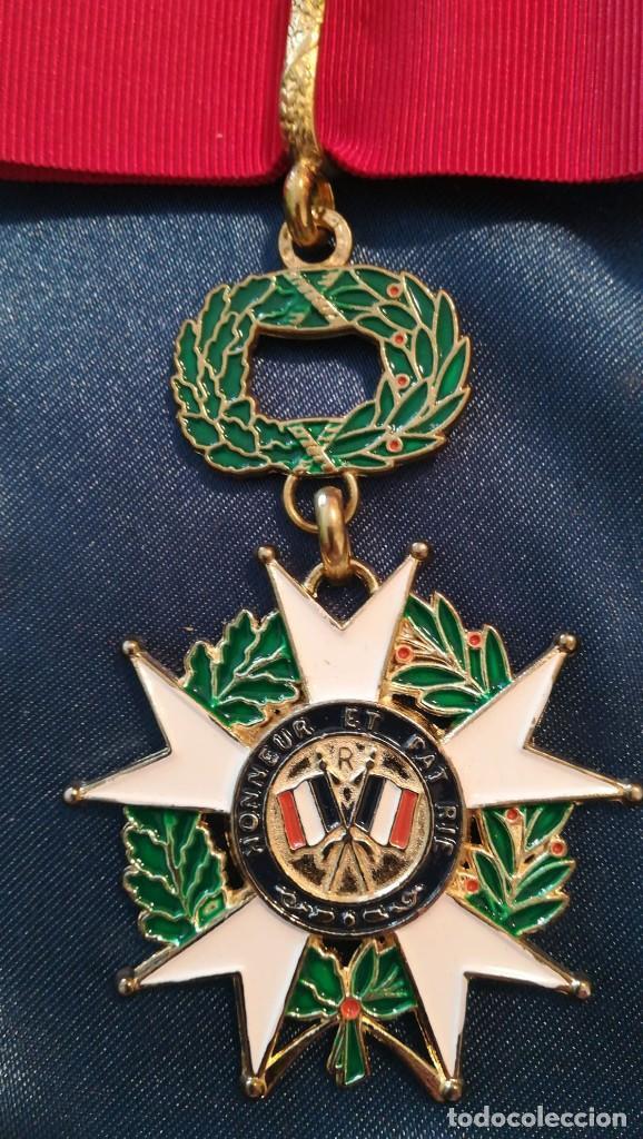 Militaria: CRUZ DE LA ORDEN DE LA LEGIÓN DE HONOR A BUEN ESTADO - Foto 2 - 198204758