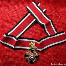 Militaria: DEUTSCHER ORDEN - ORDEN ALEMANA - ORDEN DE LA MUERTE. CON ESPADAS - DIMENSIONES: 55 X 48 MM. CINTA. Lote 198385412