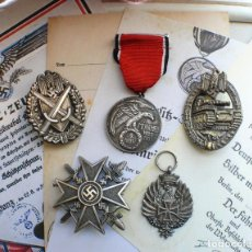Militaria: 5 INSIGNIAS .TERCER REICH. LOTE 4. Lote 198574168