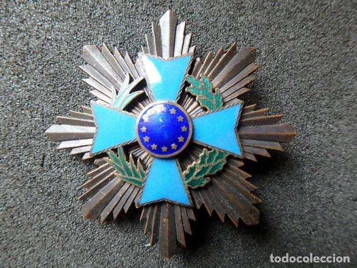 Militaria: (JX-200381)Medalla , placa y pin del Fomento Europeo , cinta España . - Foto 7 - 198634371