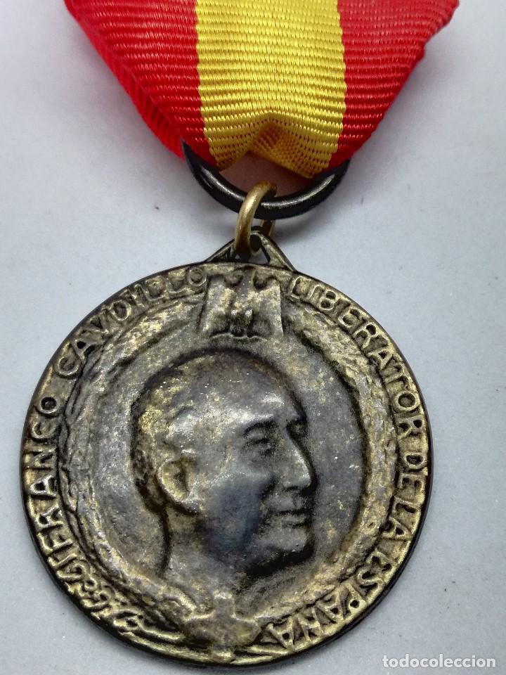 RÉPLICA MEDALLA GENERAL FRANCISCO FRANCO. CAUDILLO LIBERATOR DE LA ESPAÑA. 1939. CTV ITALIA. GUERRA (Militar - Reproducciones y Réplicas de Medallas )