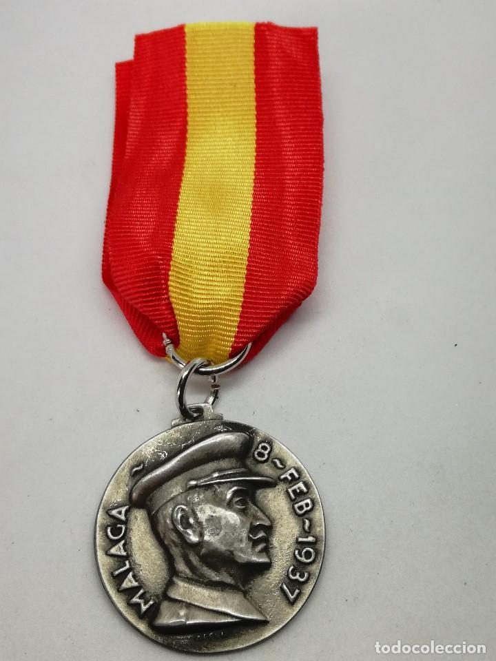Militaria: RÉPLICA Medalla Toma de Málaga. 8-2-1937. Guerra Civil Española. 1936-1939. General Queipo de Llano. - Foto 2 - 199068945