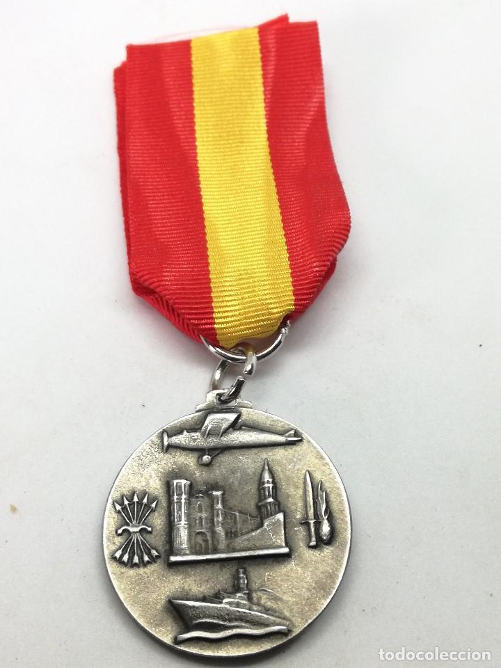 Militaria: RÉPLICA Medalla Toma de Málaga. 8-2-1937. Guerra Civil Española. 1936-1939. General Queipo de Llano. - Foto 3 - 199068945