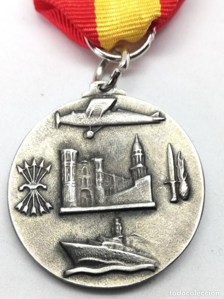 Militaria: RÉPLICA Medalla Toma de Málaga. 8-2-1937. Guerra Civil Española. 1936-1939. General Queipo de Llano. - Foto 4 - 199068945