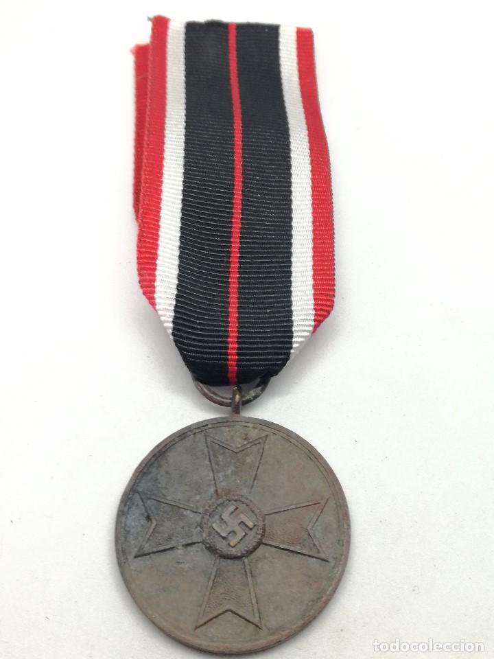 Militaria: Medalla de la Cruz al Mérito de Guerra. Alemania. 1940-1945. 2ª Guerra Mundial. ORIGINAL - Foto 2 - 199069557