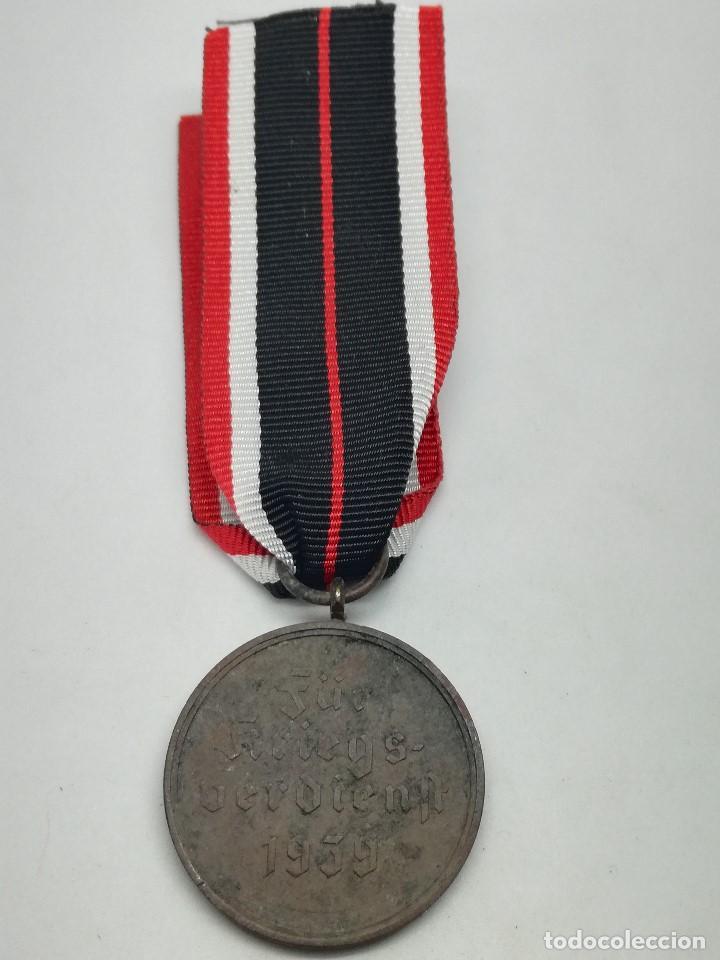 Militaria: Medalla de la Cruz al Mérito de Guerra. Alemania. 1940-1945. 2ª Guerra Mundial. ORIGINAL - Foto 3 - 199069557