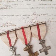 Militaria: PASADOR CON TRES CONCECORACIONES ALFONSINAS Y DOCUMENTO DE LICENCIA. Lote 199707783