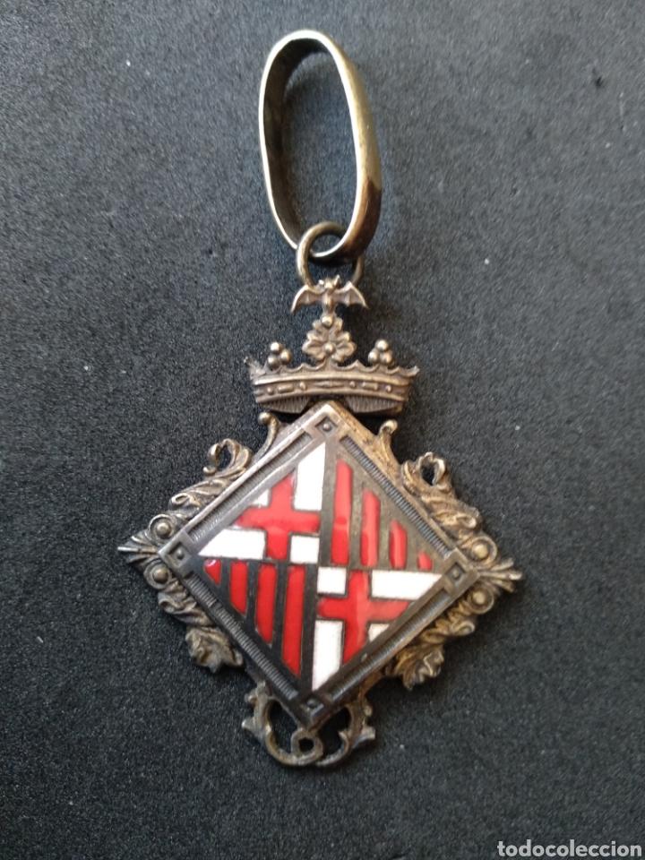 Militaria: Medalla de plata y esmaltes concejal de Barcelona - Foto 2 - 199775431