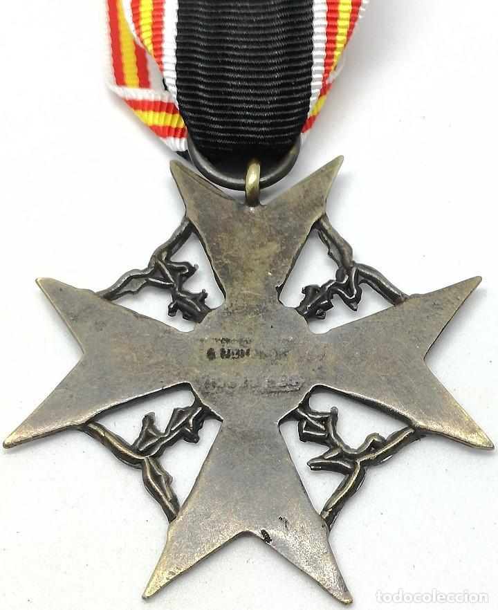 Militaria: RÉPLICA Medalla Cruz de España. Legión Cóndor. Categoría Bronce. Guerra Civil Española. 1936-1939 - Foto 4 - 200589467