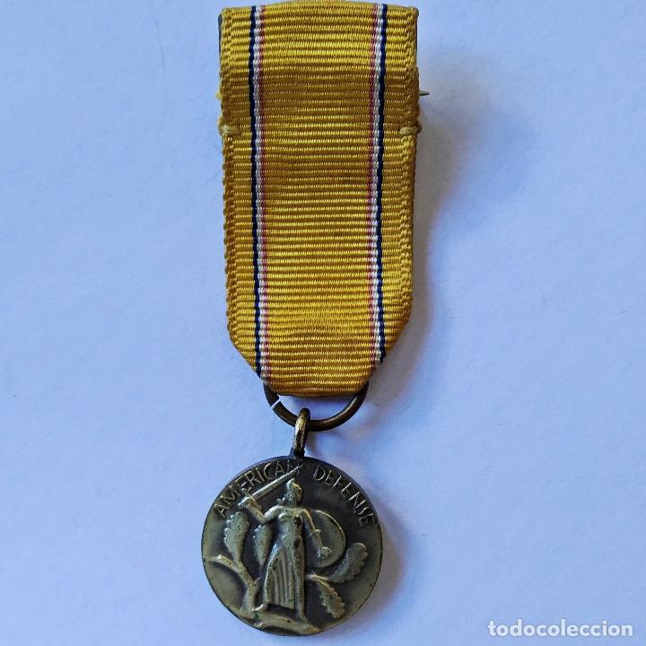 """INSIGNIA CONDECORACIÓN """"AMERICAN DEFENSE"""" DE LA SEGUNDA GUERRA MUNDIAL, 1939-1941 (182). (Militar - Medallas Internacionales Originales)"""