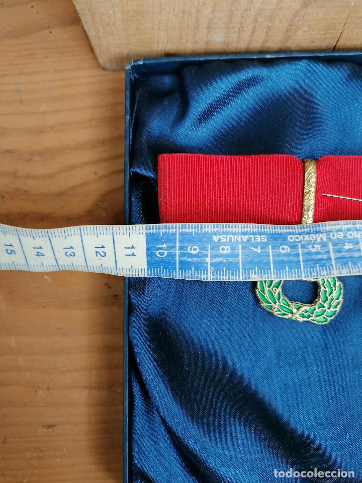 Militaria: replica de medalla militar en caja - Foto 4 - 205538485