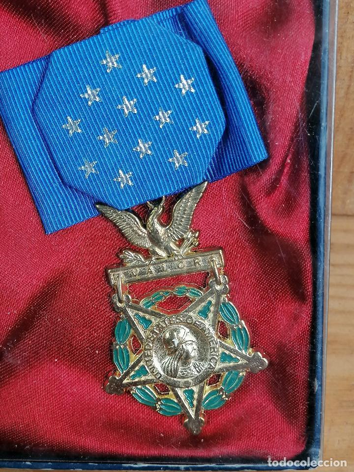 Militaria: replica de medalla militar en caja - Foto 2 - 205555503