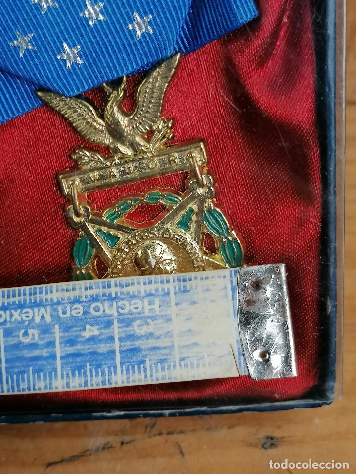 Militaria: replica de medalla militar en caja - Foto 3 - 205555503