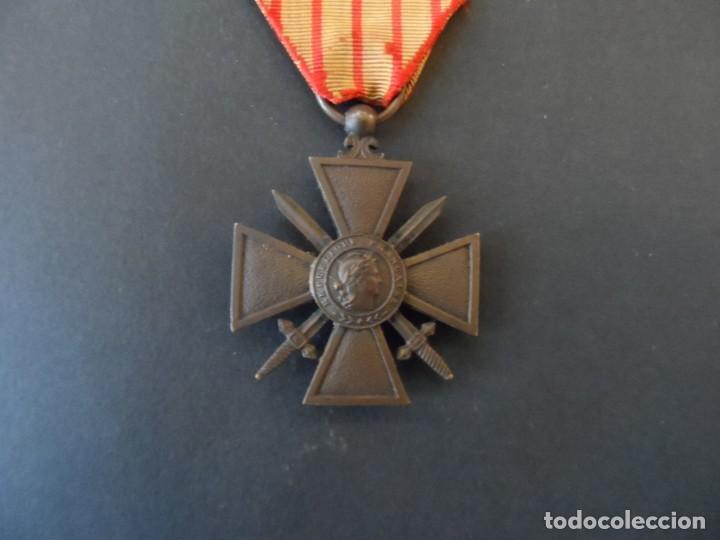 MEDALLA REPÚBLICA FRANCESA. CROIX DU COMBATTANT. PALMA BRONCE. FRANCIA. AÑO 1917. CINTA RARA (Militar - Medallas Extranjeras Originales)