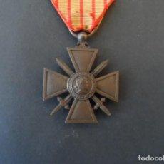 Militaria: MEDALLA REPÚBLICA FRANCESA. CROIX DU COMBATTANT. PALMA BRONCE. FRANCIA. AÑO 1917. CINTA RARA. Lote 205776692