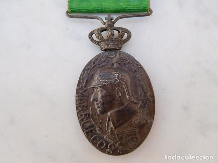 MEDALLA DE LA CAMPAÑA DE MARRUECOS CON PASADOR DE LARACHE ALFONSO XIII PLATA (Militar - Medallas Españolas Originales )