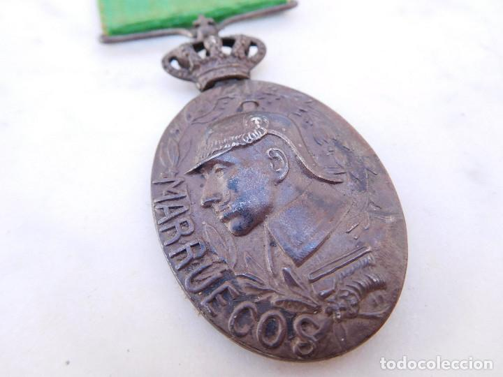 Militaria: Medalla de la campaña de Marruecos con pasador de Larache Alfonso XIII Plata - Foto 3 - 206127851