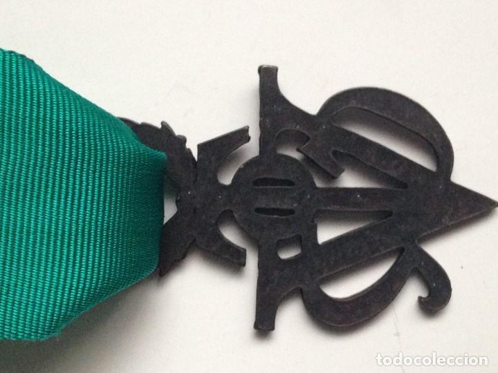 Militaria: Medalla Víctor del SEU. 2ª Clase de Bronce. 1952-1973. España. General Franco. Al mérito Deportivo. - Foto 2 - 208401036