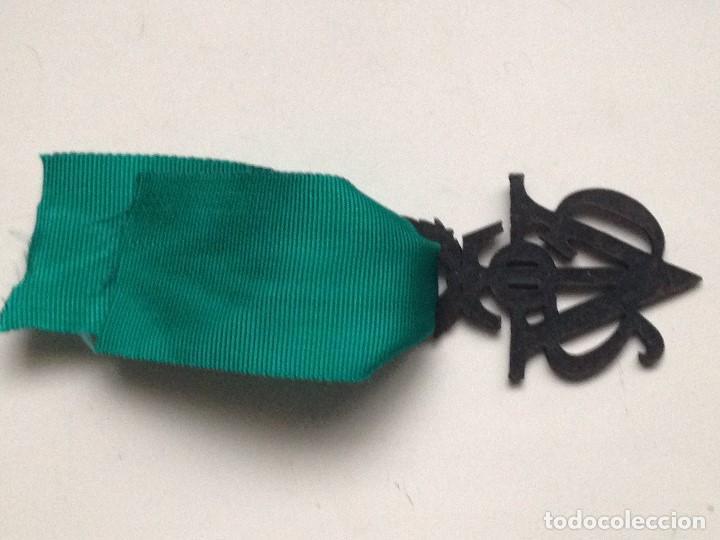 Militaria: Medalla Víctor del SEU. 2ª Clase de Bronce. 1952-1973. España. General Franco. Al mérito Deportivo. - Foto 4 - 208401036