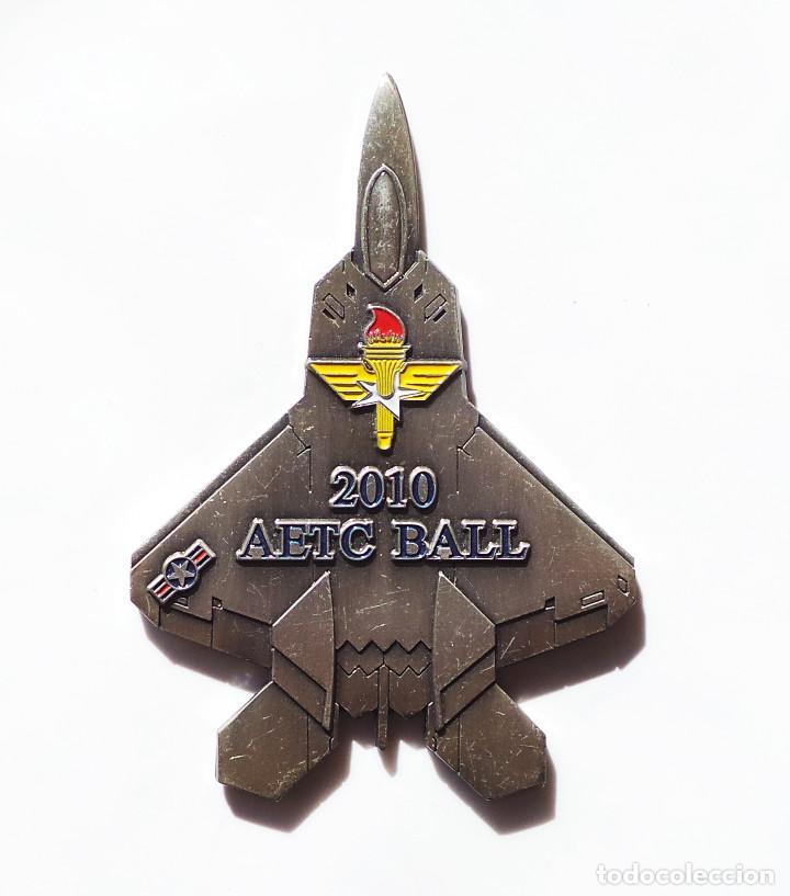 Militaria: MEDALLA AMERICANA DE FIRST COMMAND.- 2010 ARTB BALL. - Foto 2 - 208839980