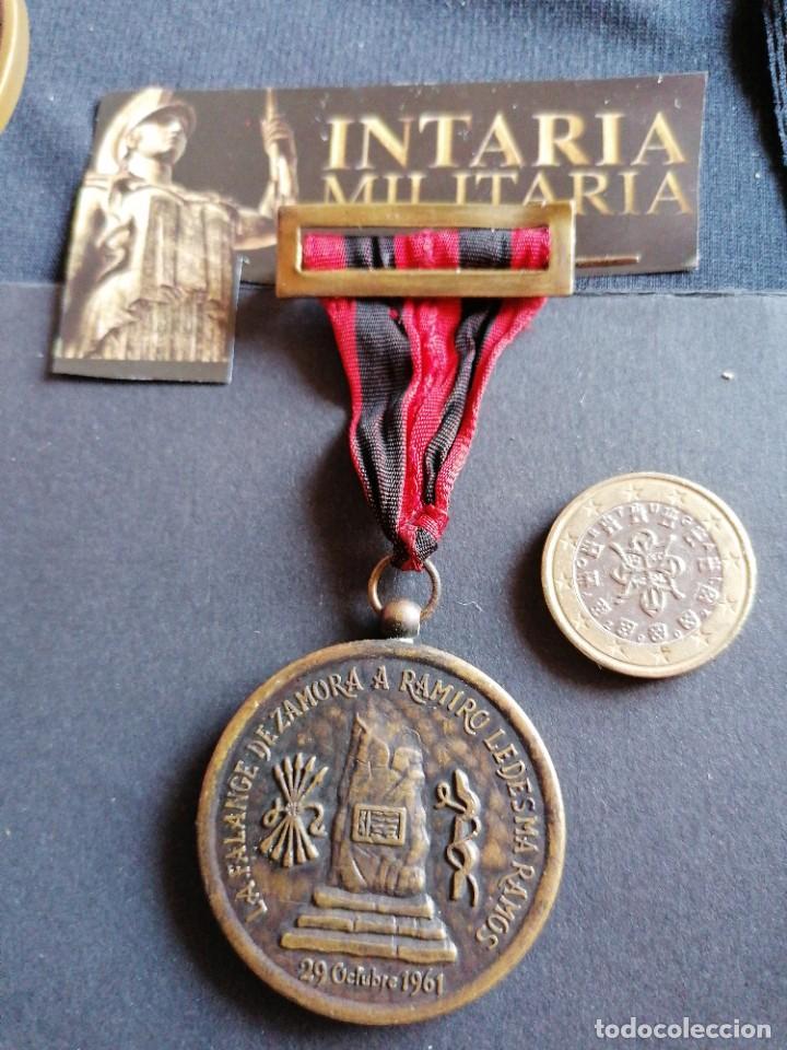 MEDALLA DE HOMENAJE A RAMIRO LEDESMA RAMOS DE FALANGE (Militar - Medallas Españolas Originales )