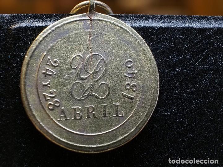 Militaria: ISABEL II BATALLA DE PERACAMPS 24 Y 28 DE ABRIL 1840 MEDALLA 1ª GUERRA CARLISTA. RESTAURADA - Foto 2 - 210254381
