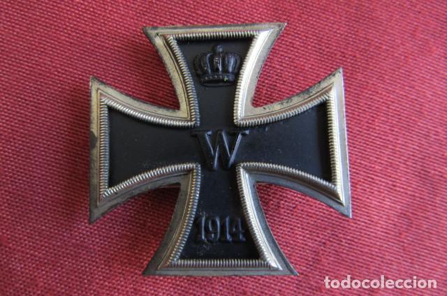 MEDALLA CONDECORACIÓN ALEMANA CRUZ DE HIERRO DE I PRIMERA CLASE 1914 VERSIÓN 1939 HECHA EN 3 PIEZAS (Militar - Medallas Internacionales Originales)