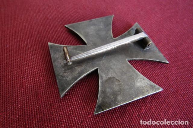 Militaria: Medalla condecoración alemana Cruz de Hierro de I Primera clase 1914 versión 1939 hecha en 3 piezas - Foto 4 - 211912040