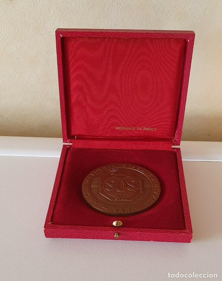 """Militaria: Francia medalla 1975 Monnaie de Paris """"sos"""" solidaridad, devoción, amistad. VER FOTOS - Foto 2 - 211997700"""
