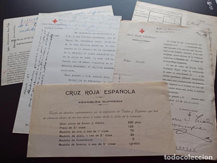6 DOCUMENTOS MEDALLAS CRUZ ROJA. 1927. MMI (Militar - Medallas Españolas Originales )