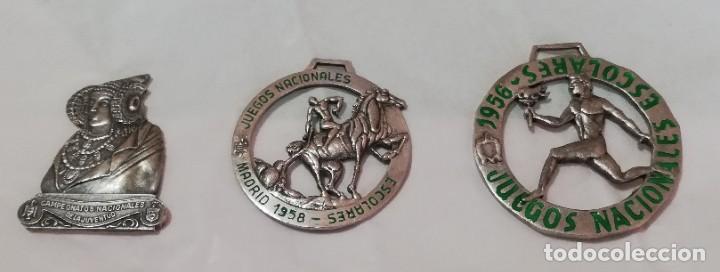 3 MEDALLAS DE LOS JUEGOS NACIONALES ESCOLARES 1956 / 1958, Y DE LA JUVENTUD SEU, LA MAS GRANDE MIDE (Militar - Medallas Españolas Originales )