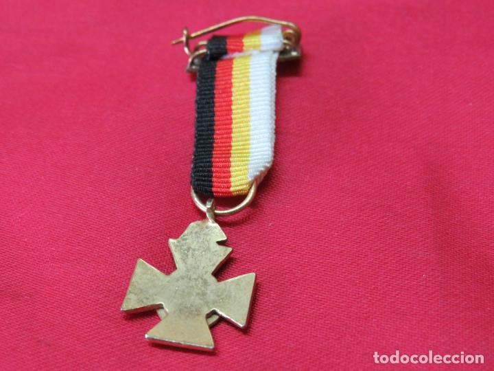 Militaria: MEDALLA MINIATURA DE LA MEDALLA DE LOS 25 AÑOS DE PAZ - Foto 3 - 214250515