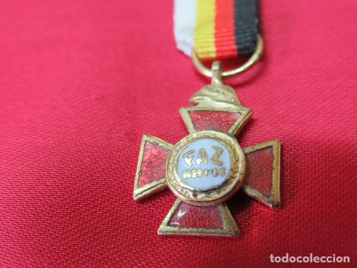 MEDALLA MINIATURA DE LA MEDALLA DE LOS 25 AÑOS DE PAZ (Militar - Medallas Españolas Originales )