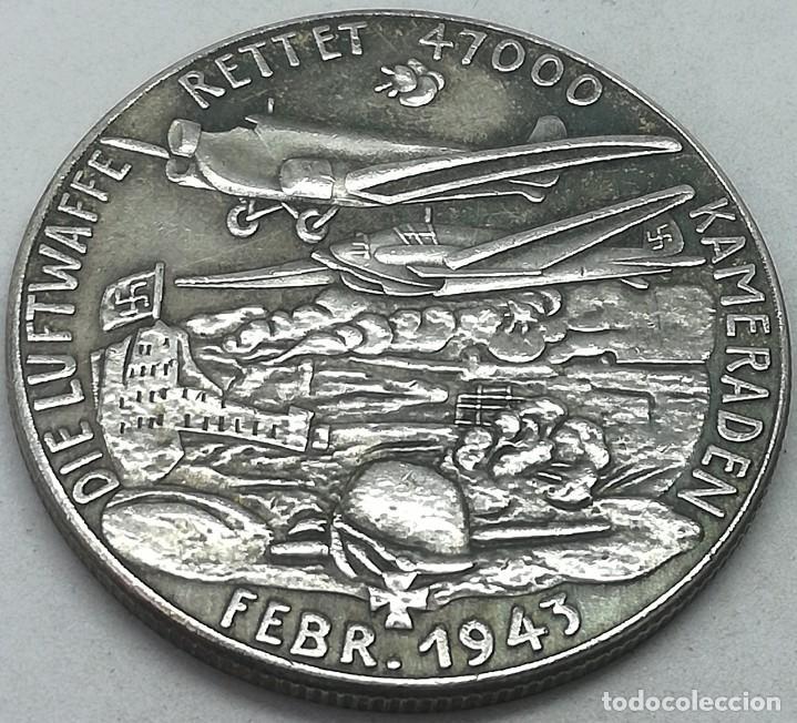 Militaria: RÉPLICA Medalla Batalla de Stalingrado, Rusia, Febrero 1943. Alemania. II Guerra Mundial - Foto 2 - 214730968