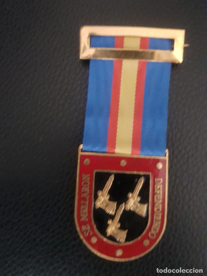 REAL HERMANDAD DEL EJERCITO Y GUARDIA CIVIL PRIMER MODELO (Militar - Medallas Españolas Originales )