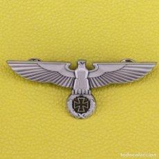 Militaria: INSIGNIA DE ÁGUILA ALEMANA NAZI DEUTSCHLAND, INSIGNIA DE CRUZ DEL EJÉRCITO MILITAR, METAL A CALIDAD. Lote 215850593