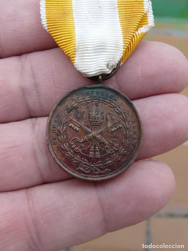 MEDALLA RESTAURACION SOLIO PONTIFICIO 1850 - BRONCE - TAMAÑO PRINCESA (Militar - Medallas Españolas Originales )
