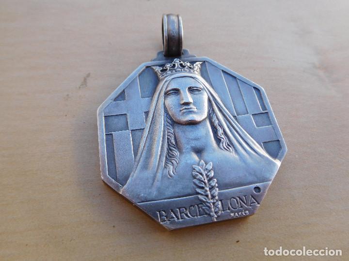 Militaria: Medalla de plata Barcelona a quienes se alzaron en armas contra la república. Guerra civil. Mares. - Foto 2 - 217697373