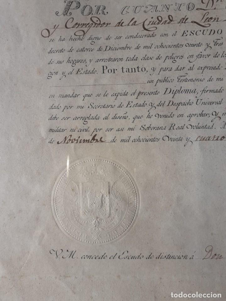 Militaria: CONCESIÓN ESCUDO FIDELIDAD AÑO 1824 FIRMA DEL REY FERNANDO VII - Foto 4 - 218435963