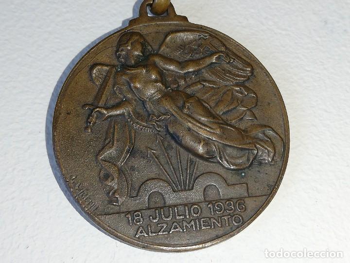 Militaria: ANTIGUA MEDALLA GUERRA CIVIL ESPAÑOLA - ALZAMIENTO 18 JULIO 1936 - VICTORIA 1 ABRIL 1939 MONTEAGUT - Foto 6 - 218695461