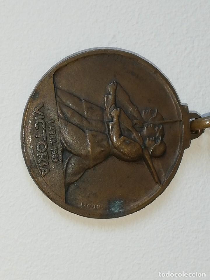 Militaria: ANTIGUA MEDALLA GUERRA CIVIL ESPAÑOLA - ALZAMIENTO 18 JULIO 1936 - VICTORIA 1 ABRIL 1939 MONTEAGUT - Foto 8 - 218695461